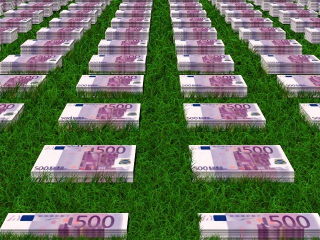 Halucinant! Constantin: Circa 1% dintre fermieri primesc jumătate din totalul subvenţiilor