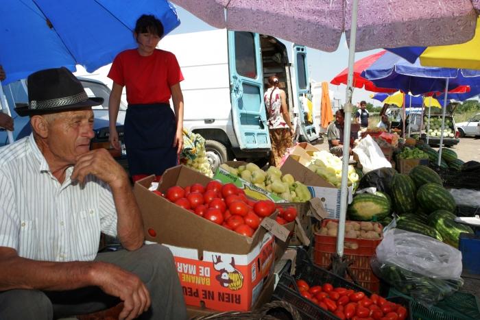 România, singura ţară din Europa care nu-şi protejează producătorii locali de legume şi fructe