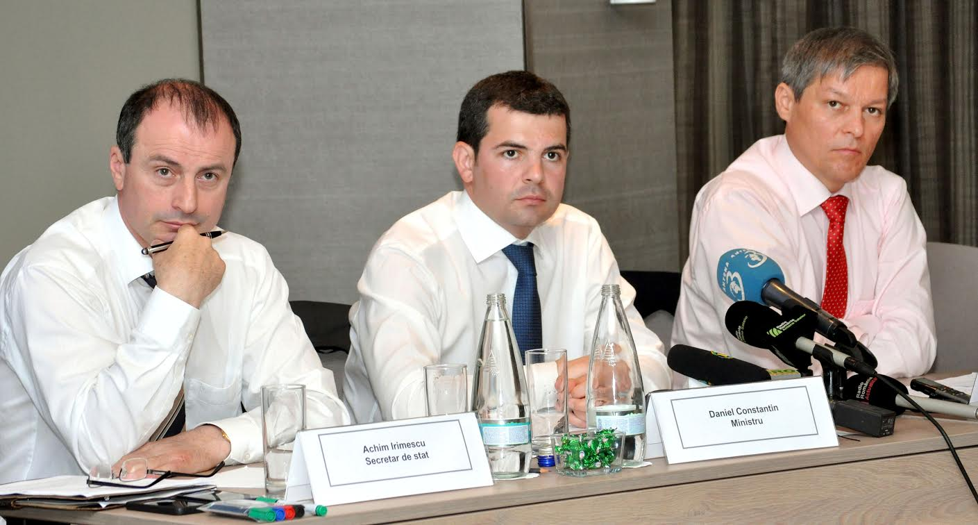 Achim Irimescu, secretar de stat la Agricultura, demis de catre ministrul Daniel Constantin chiar de Boboteaza