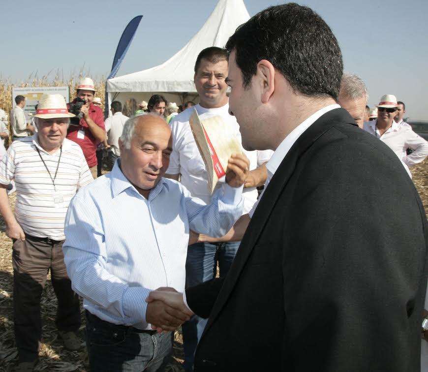 Adrian Radulescu, consilier prezidential: Sa nu speriem lumea.Terenurile fertile au fost cumparate, nu mai vine nimeni sa ne ia pamantul