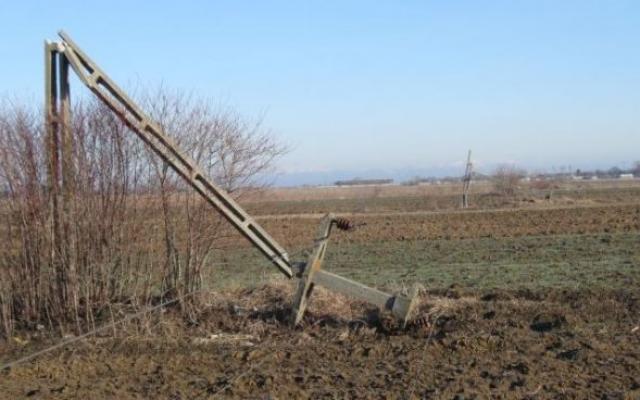 Taxa pe stalp arunca in noroi fermierul roman