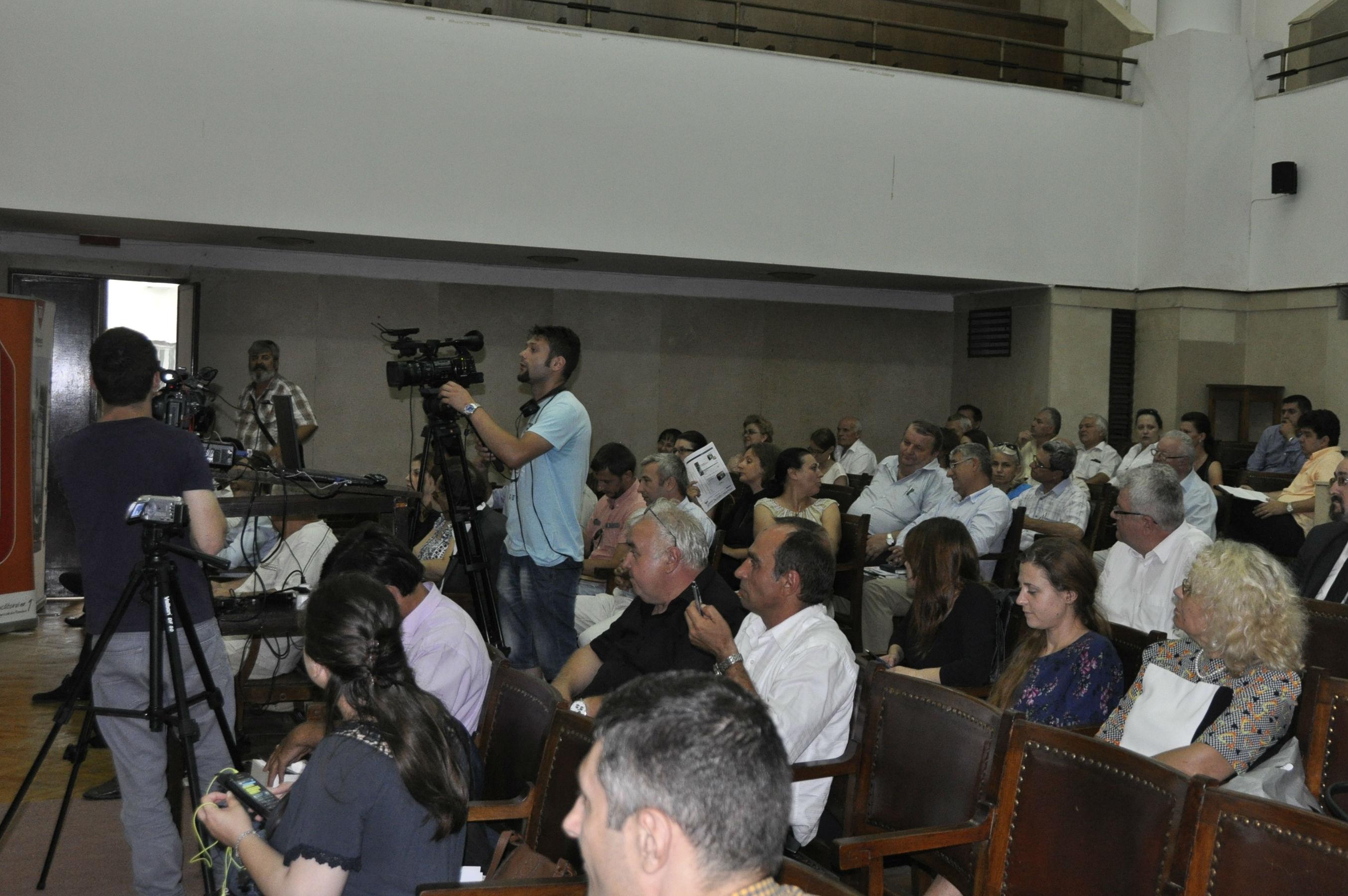 VIDEO. Conferintele AGROstandard IV. Solutii reale de finantare. Gaurile negre ale agriculturii romanesti, 29 iulie, ASAS(partea I)