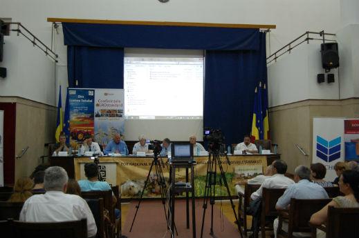 Conferintele AGROstandard. Fermierii mizeaza pe noul PNDR si pe finantarea CEC Bank