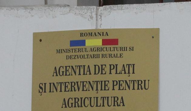 APIA ii cauta pe fermieri la acte