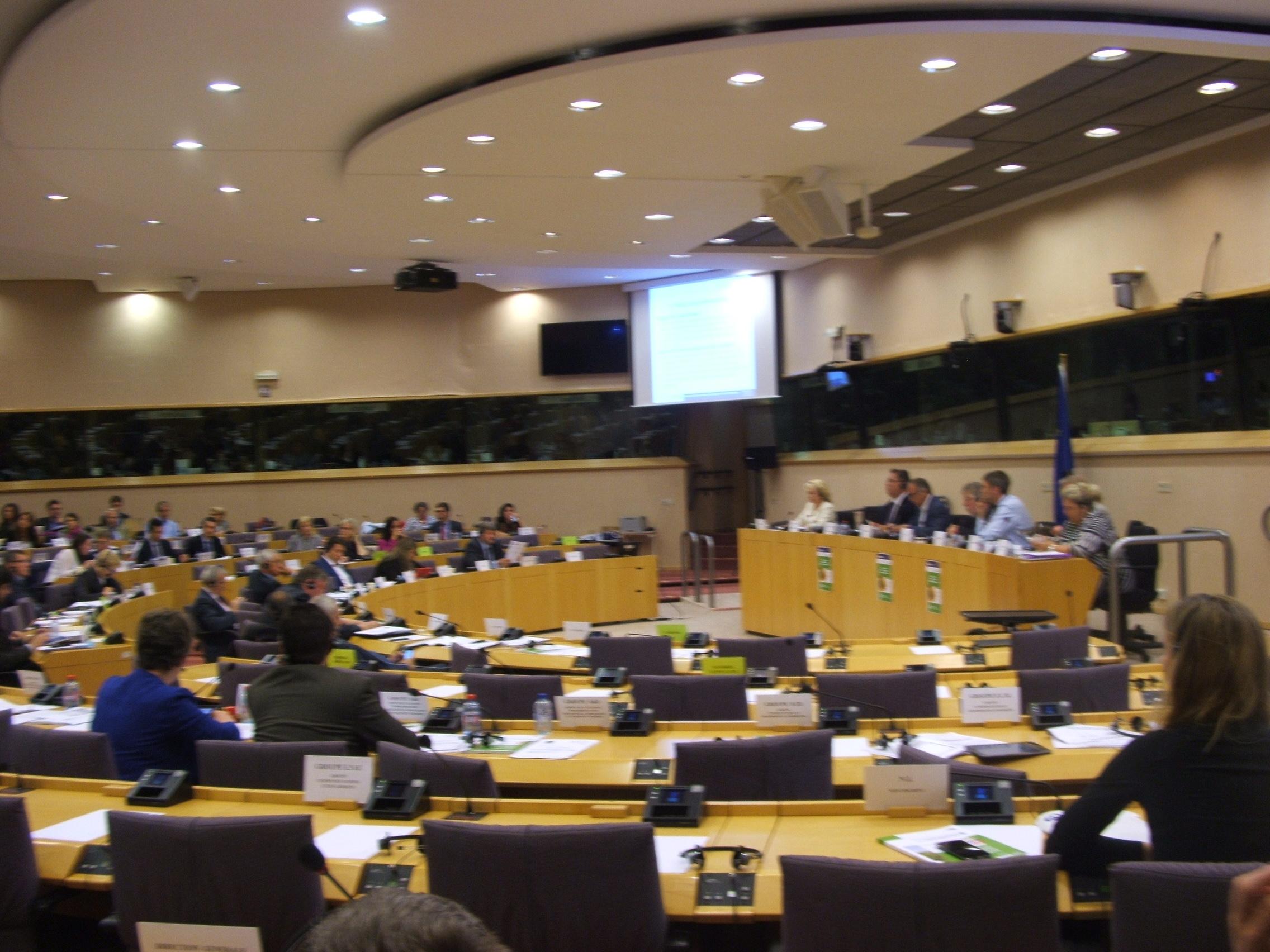 "Cum se ""rezolva"" problemele agricultorilor la Bruxelles"