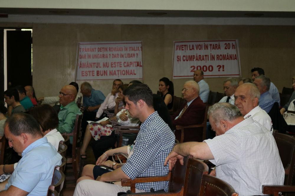 """FOTO. Conferintele AgroStandard, editia a XI-a """"Legea vanzarii terenurilor. Romani vs straini"""", 17 iunie, ASAS"""