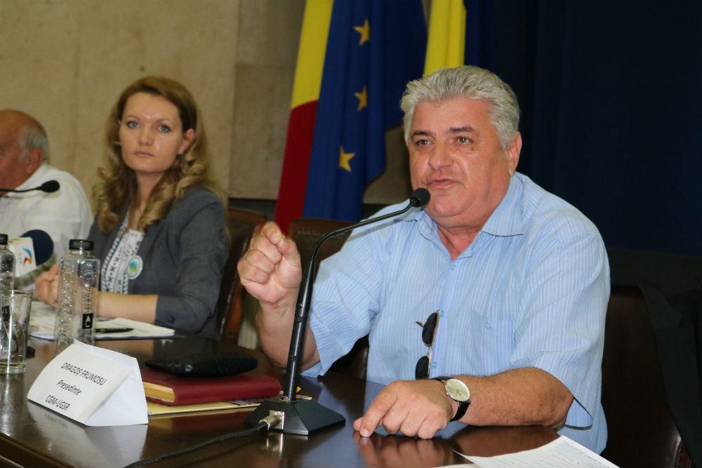 ZF la conferintele Agrostandard: Străinii controlează peste 10% din suprafaţa arabilă a României