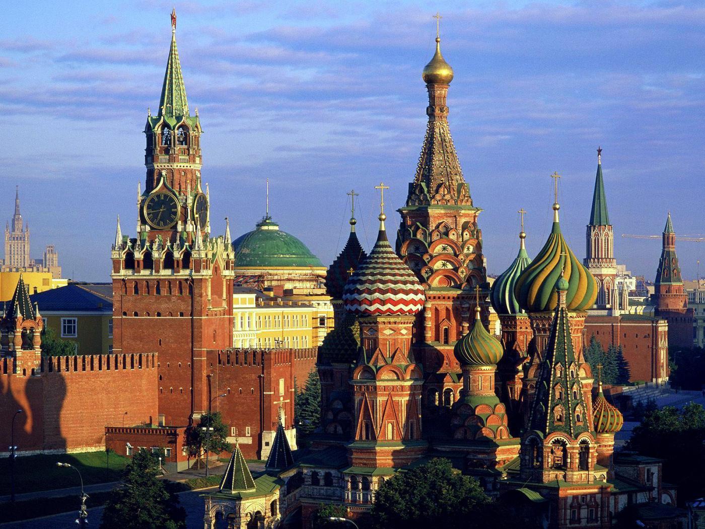 Rusii ne mai lasa sa asteptam un an