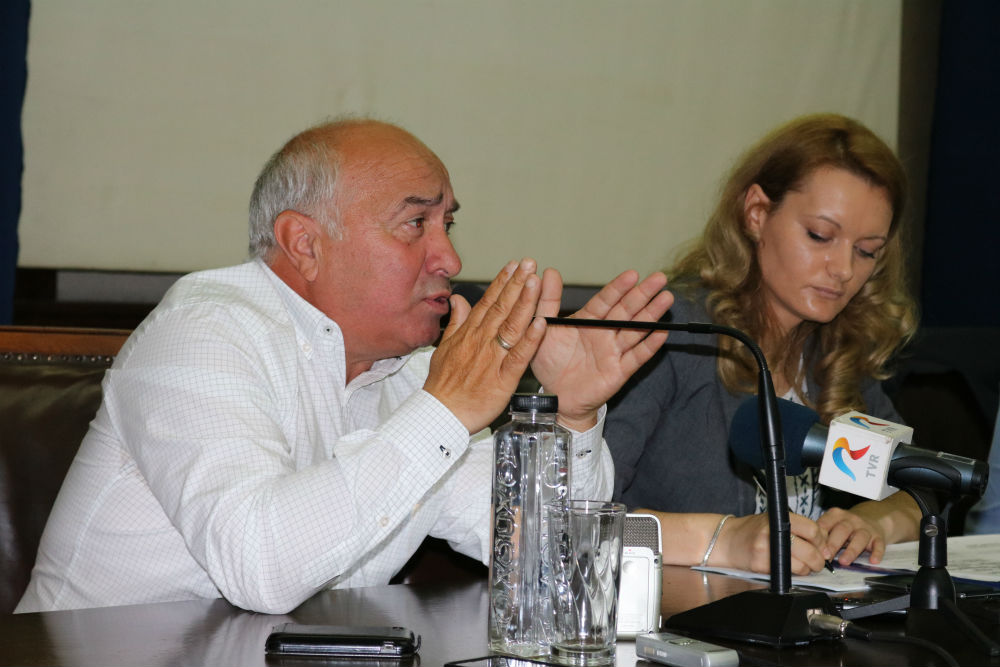 Adrian Radulescu: Nu au ce cauta fondurile de investitii in cumpararea de terenuri