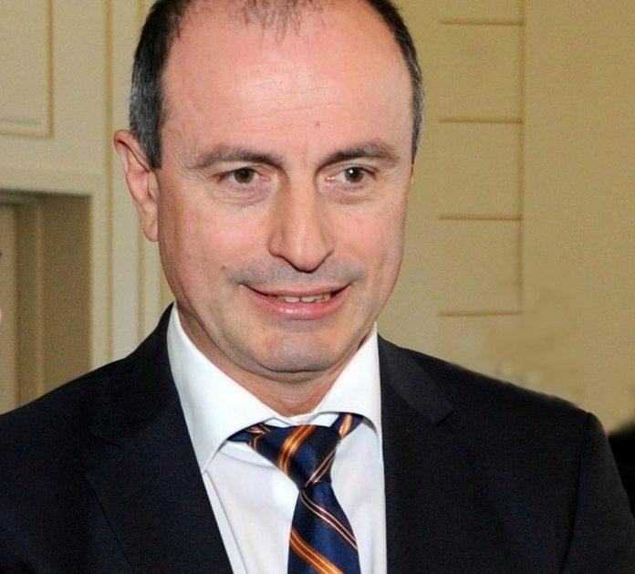 """Achim Irimescu, Ministrul Agriculturii si Dezvoltarii rurale, speaker la """"Legume – Fructe: Filiera dialogului intre producatori si retaileri"""""""