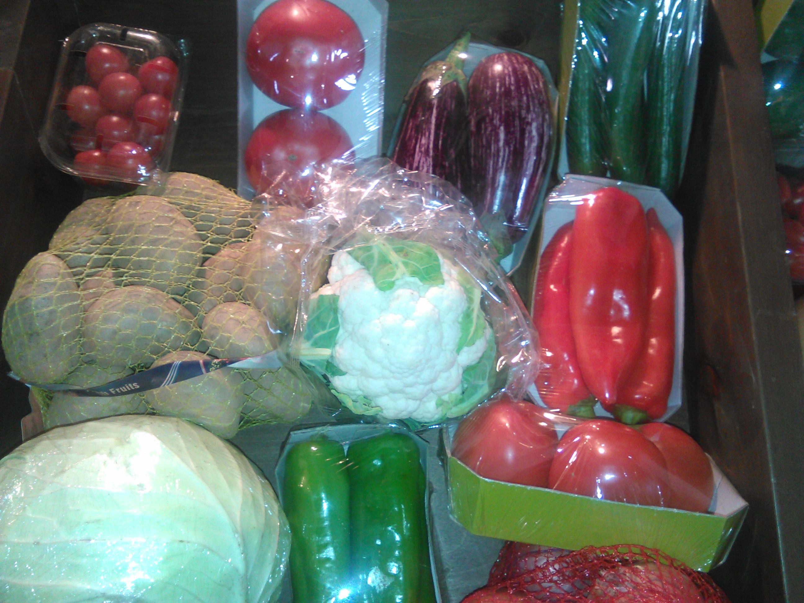 Romanii mananca 15 kg de legume pe luna, din care 2,5 kg sunt rosii