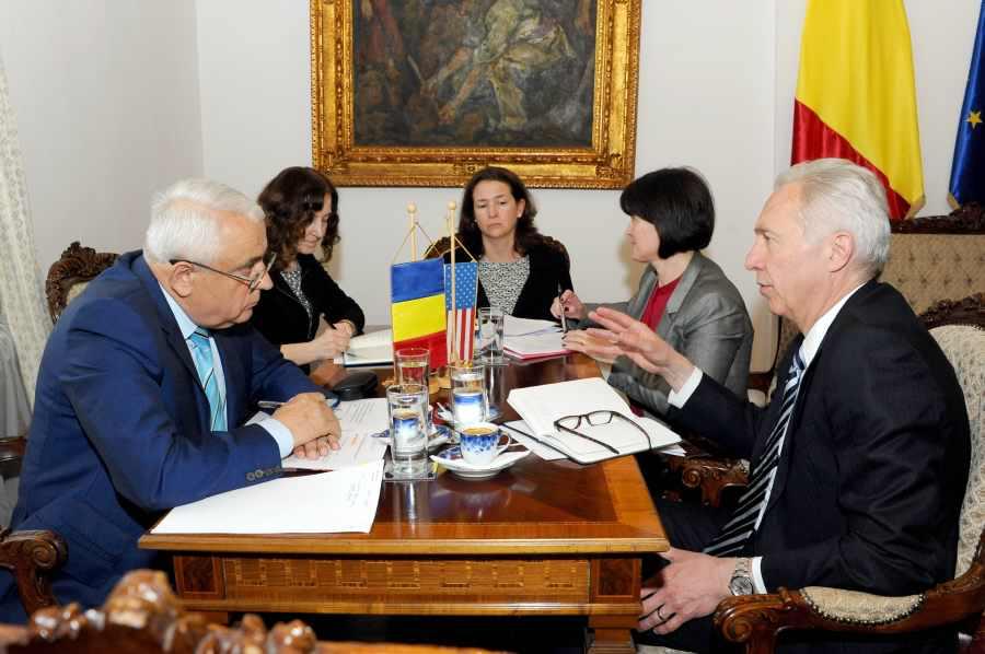 Domenii de interes pentru americani in Romania: irigatiile, biotehnologiile, cercetarea si …carnea de porc. Posibil si un reprezentant USDA la Bucuresti