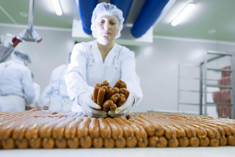 Tranzactie dupa tranzactie in industria mezelurilor. Dupa Caroli, si Elit devine tinta multinationalelor