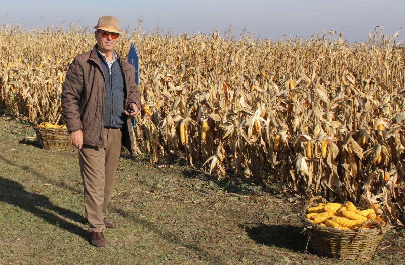 Se poate si asa. Dumitru Avadanei din Botosani a cumparat aproape 1.000 ha de la un danez