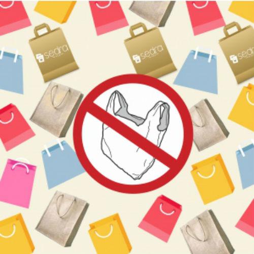 Folosirea de pungi din plastic va fi interzisa in Romania. Alternative eco: sacosele de panza si pungile de hartie