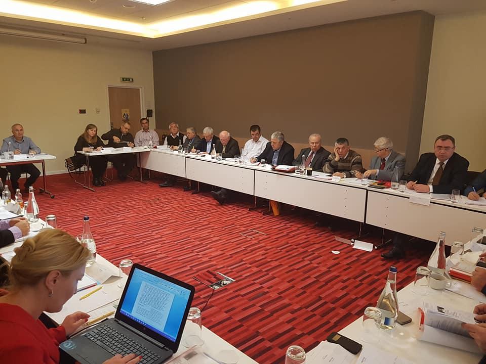 Cornel Stroescu s-a retras din LAPAR, iar Nicolae Sitaru a renuntat la functia de vicepresedinte