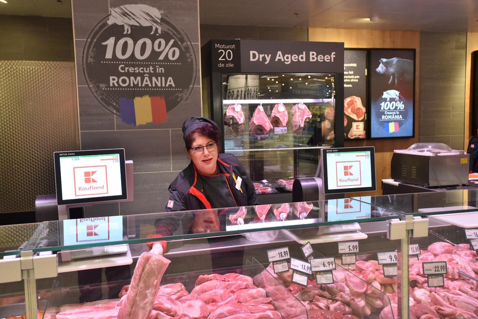 Kaufland a lansat Raftul Romanesc. 60% din carnea din magazinele retelei este produsa local