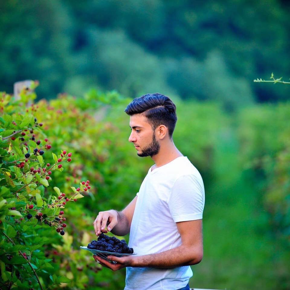 Fructele de padure, pariul unui tanar de 22 de ani