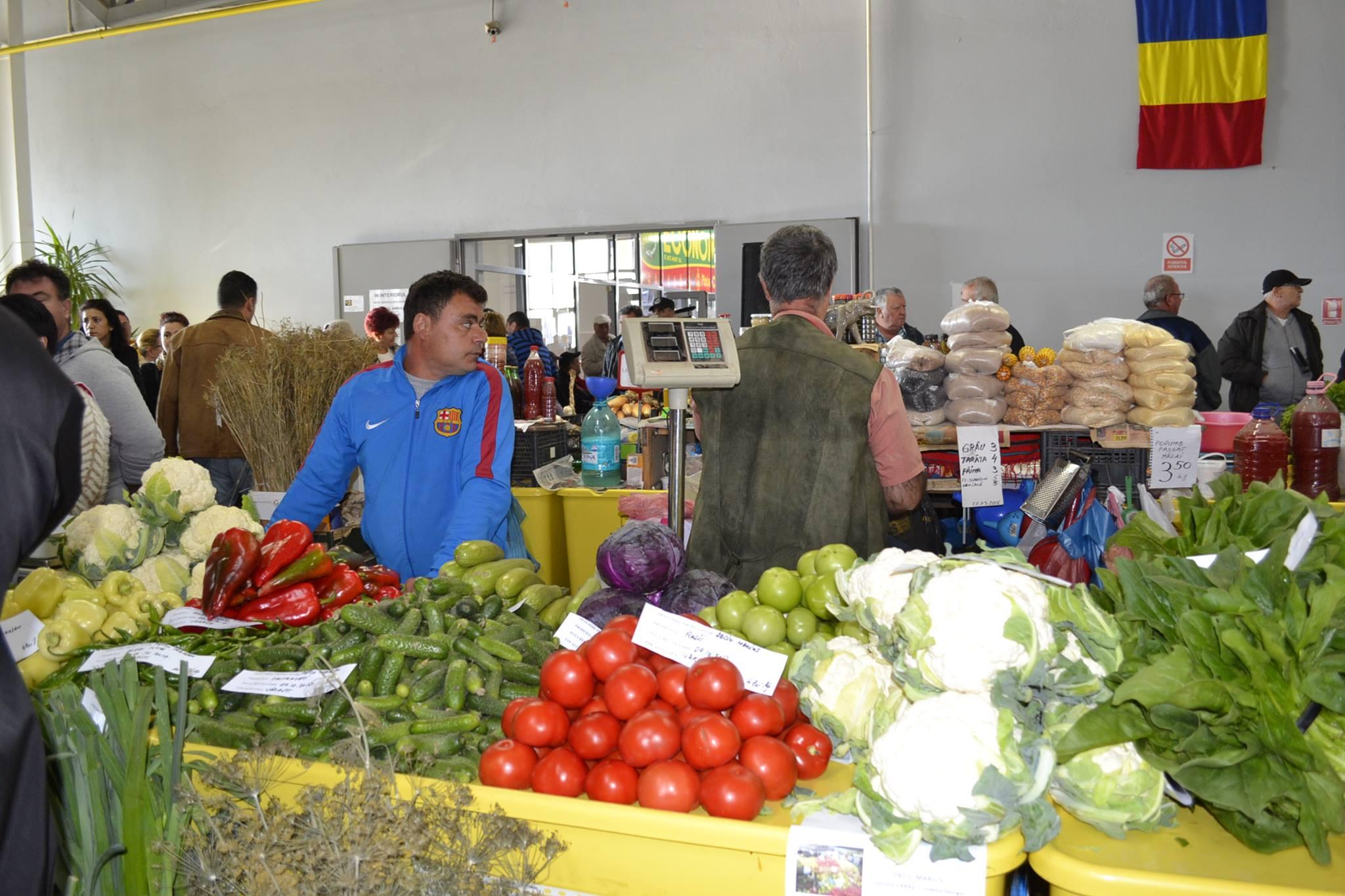 Primele rosii romanesti au ajuns in pietele din Bucuresti