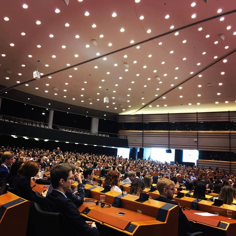 Practicile comerciale neloiale, in atentia oficialilor de la Bruxelles. Romania, absenta de la discutii…