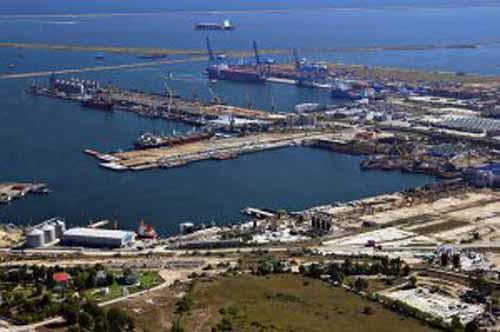 Traficul de marfuri in porturile maritime romanesti in 2018, cel mai mare din  ultimii 30 de ani. Crestere la cereale, scadere la animale vii