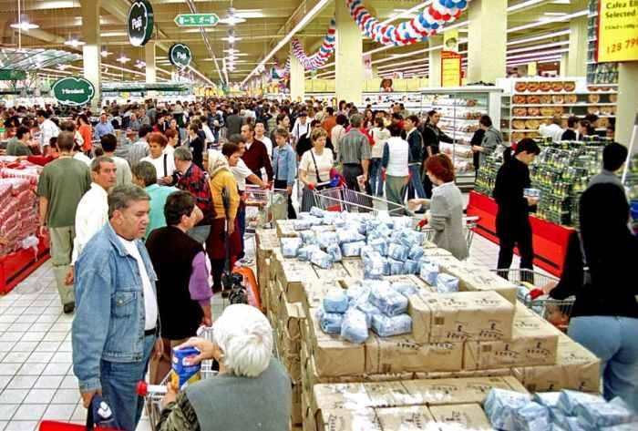 Celebra lege 321/2009 a supermarketurilor, repusa pe tapet. Politicienii se pregatesc de alegeri…