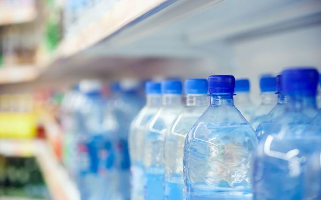 APRIA: Noul proiect de lege privind resursele hidrominerale va duce la scumpirea apei la raft