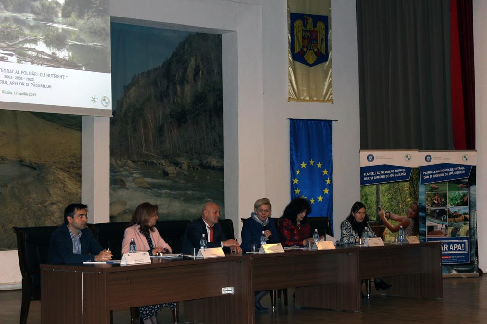 """Dezbatere """"Gunoiul de grajd – bunastare pentru fermieri!"""", organizata la Buzau de Ministerul Apelor si Padurilor"""