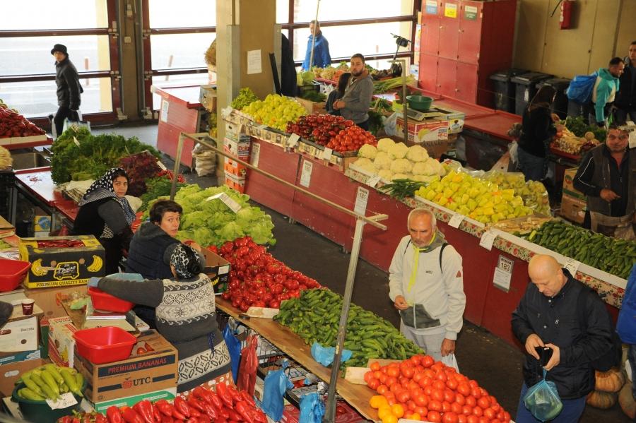 Fructe si legume provenite din import sau comert intracomunitar, comercializate ca produse romanesti