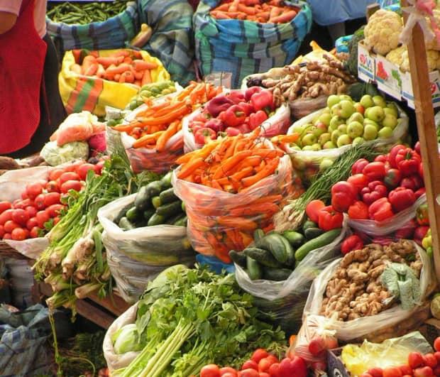Amenzi pentru comerciantii de legume si fructe! Nereguli la etichetarea marfii de import
