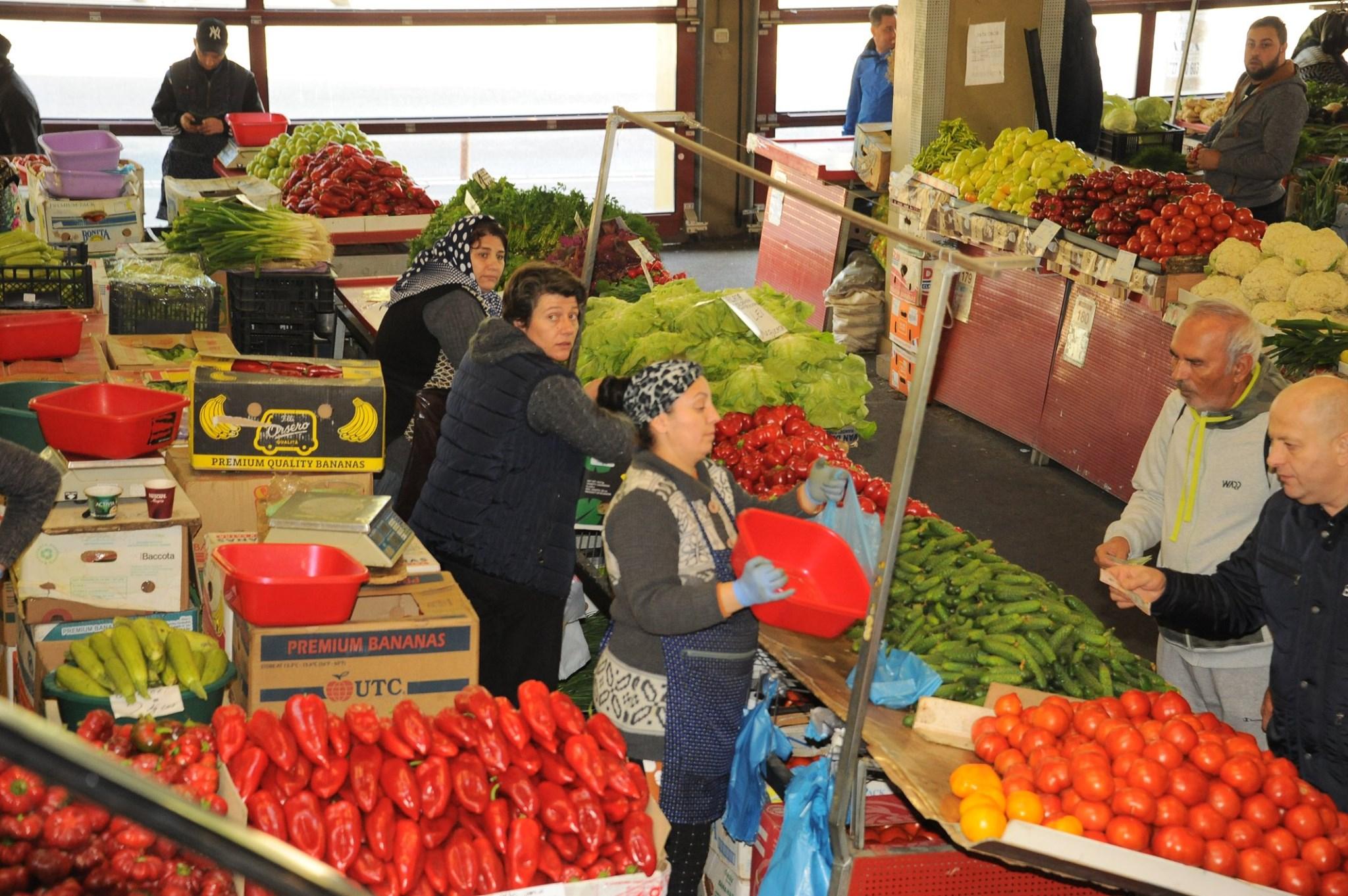 MADR: Avem cantitati suficiente de legume si fructe de sezon din productia interna in piete