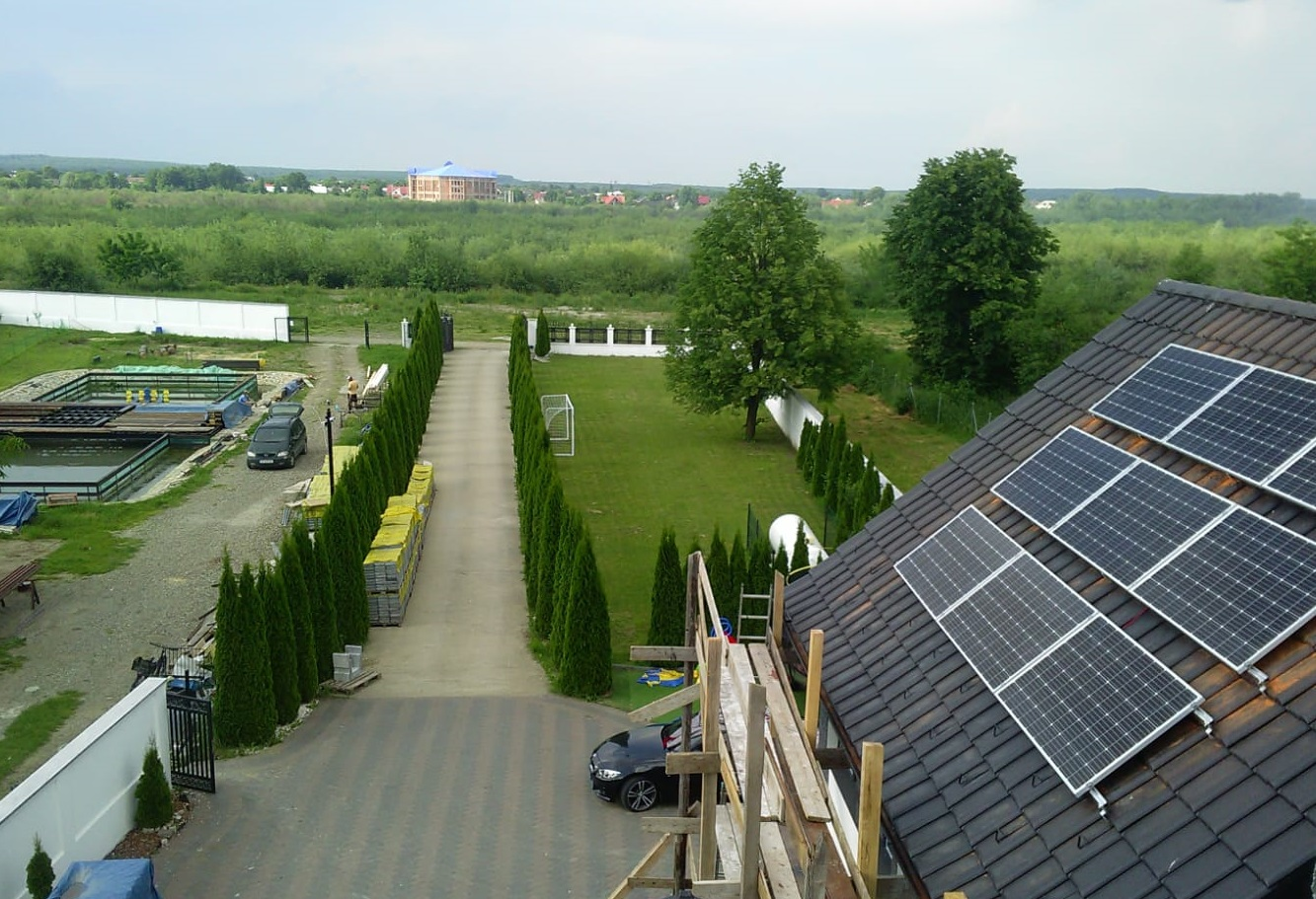 Proiecte inovatoare romanesti pentru promovarea energiei regenerabile. Casele solare castiga teren!