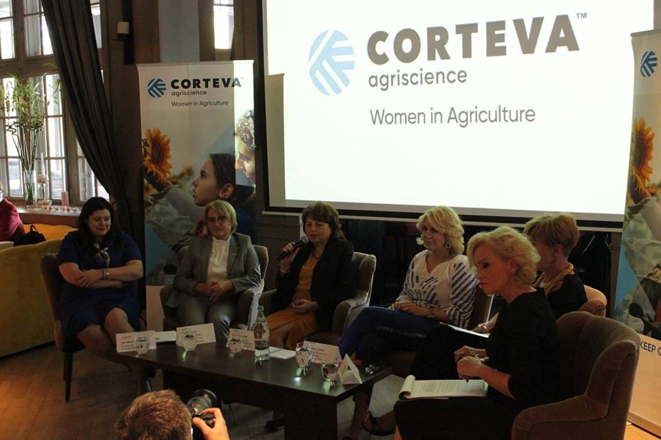 O treime din exploatatiile agricole din Romania sunt conduse de femei!