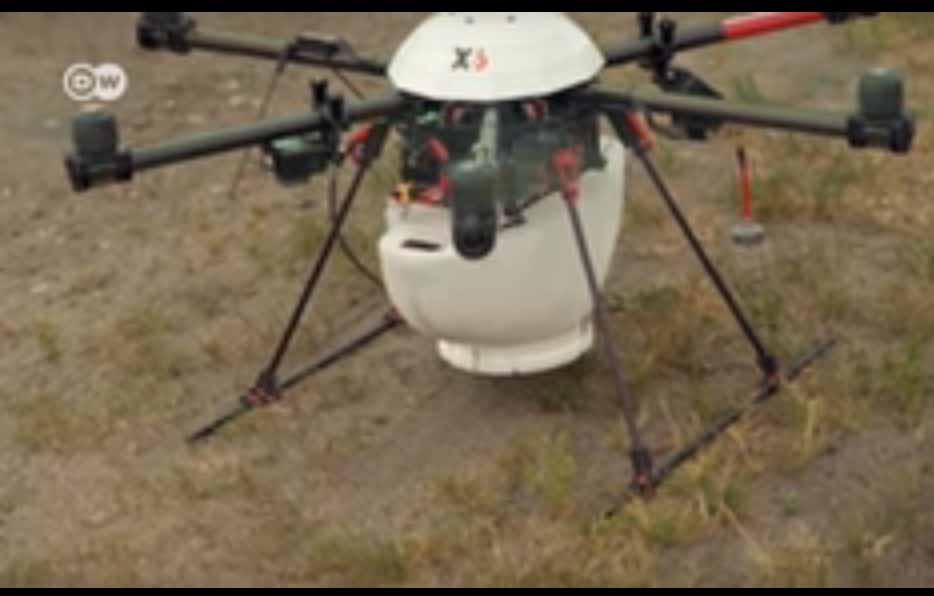 Cum arata fermele viitorului: vehicule autonome, drone, roboti si multa inginerie genetica avansata (video)