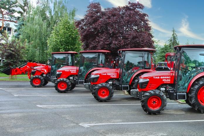 IRUM Reghin lanseaza trei noi tractoare destinate fermelor de familie