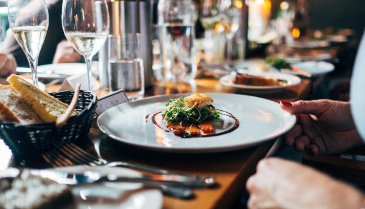 Mischie, HORA: Circa 5.000 de restaurante nu se vor mai putea redeschide