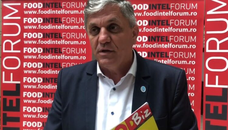 "#RomaniaFunctioneaza: Costel Vinatoru nu vrea sa auda de rosia hranita cu ""perfuzia"" la radacina"