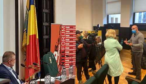 BucharestFoodSummit.ro – Ministrul Oros intre marii fermieri romani si retelele de hipermarket-uri