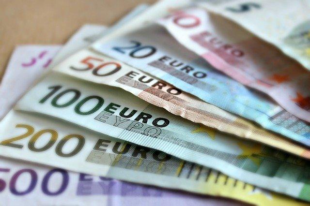 CE extinde ajutoarele de stat COVID-19 pana la 31 decembrie 2021
