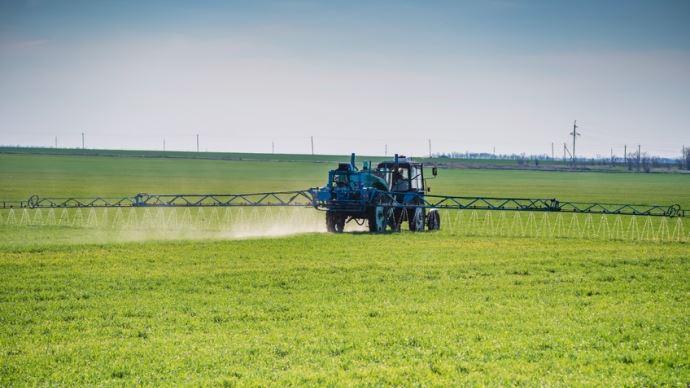 Interdictiile de fertilizare, ridicate partial de la 1 martie