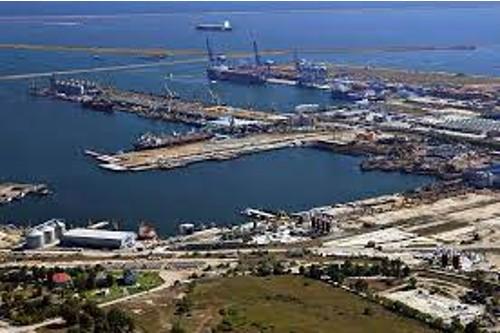 Romanii controleaza doar 4% din Portul Constanta pe segmentul cereale