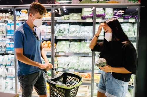 Editorial. Hypermarket-urile din Romania, o problema de siguranta nationala?!